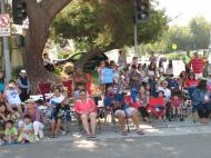 July 4th 2013 parade crowd 2